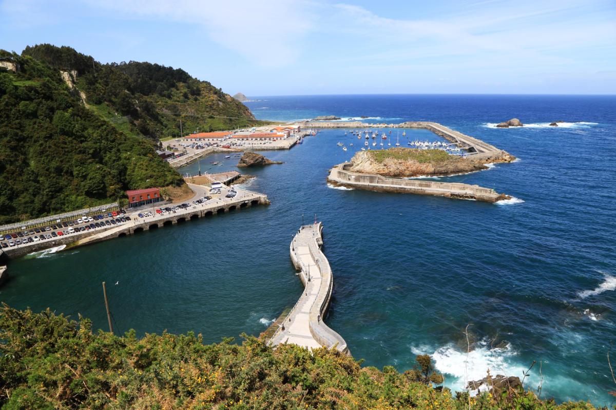 Puerto de Cudillero desde el mirador